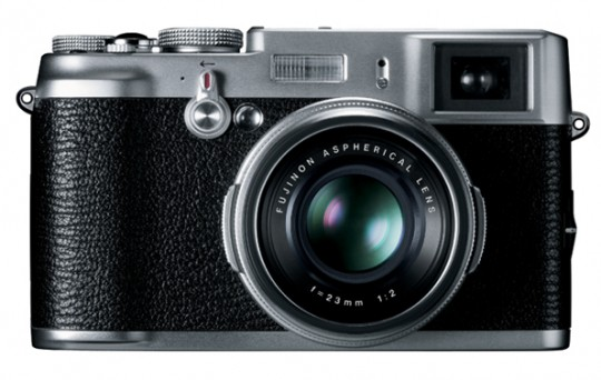 Fujifilm X100 Hybrid Viewfinder Review
