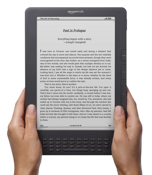 Actual Books vs Kindle:  The Pros and Cons