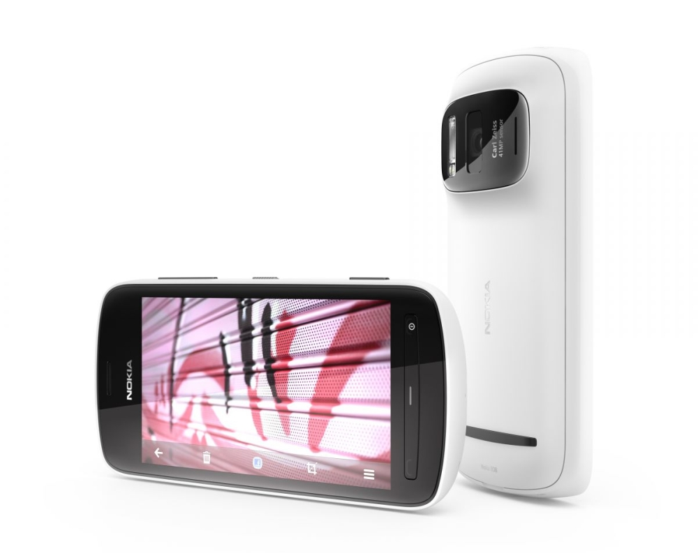 Nokia 808 Pure View – Is Camera The Only Feature You Would Spend For?